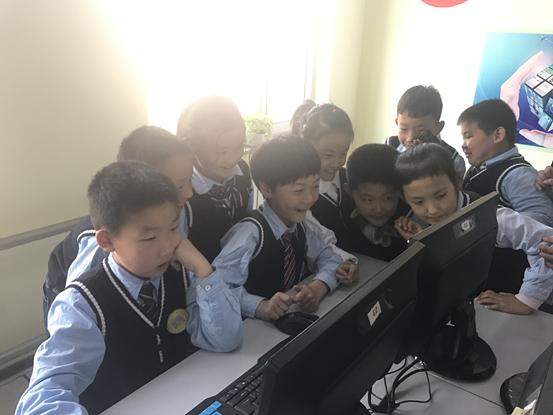珠江五校实验小学的锐捷云课堂教室5
